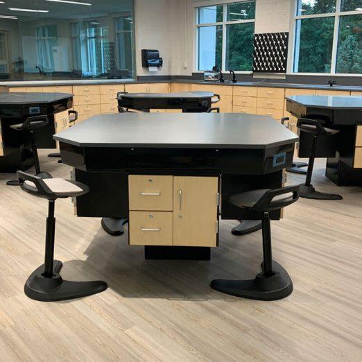 TE II Laboratory Center Tables
