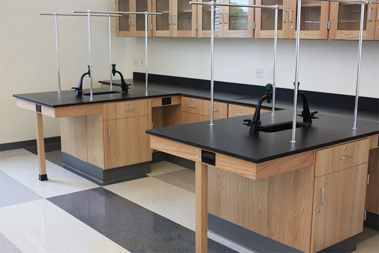 Island Pier Table for Educational Labs