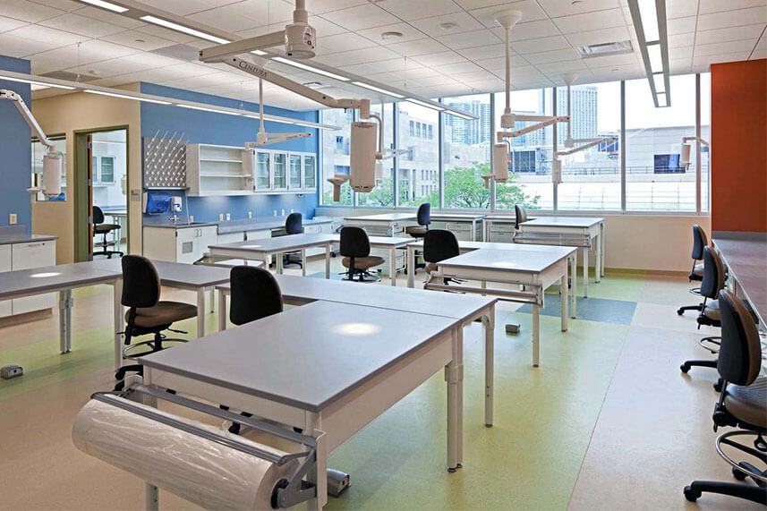 Flexline Lab Tables in a Commercial Lab