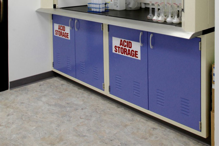 Safety Cabinets in a Commercial Lab