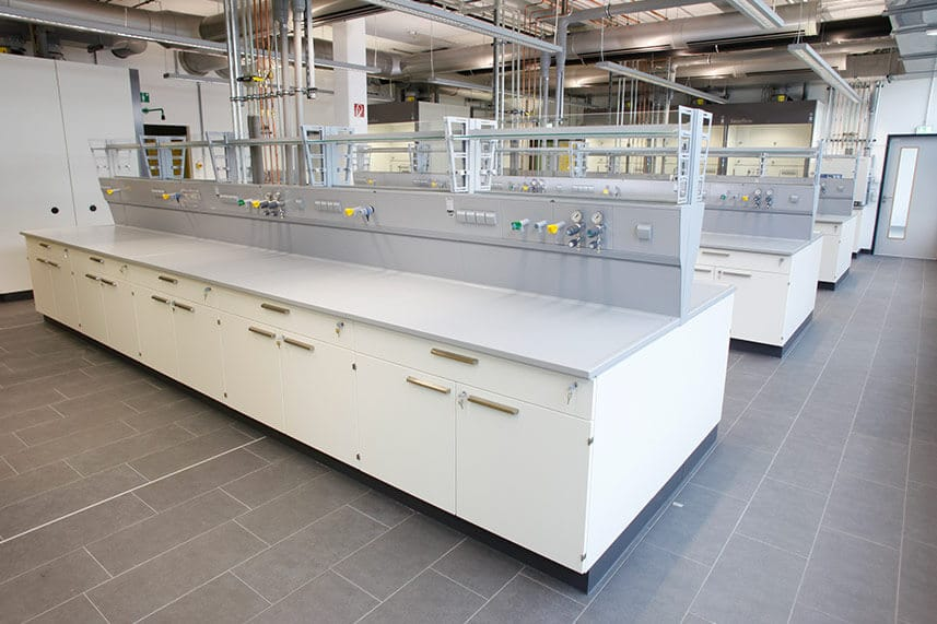 Longo Labs Service Supply Modules in a Commercial Lab