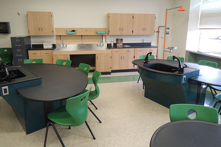 Axis Workstation for an Educational Lab