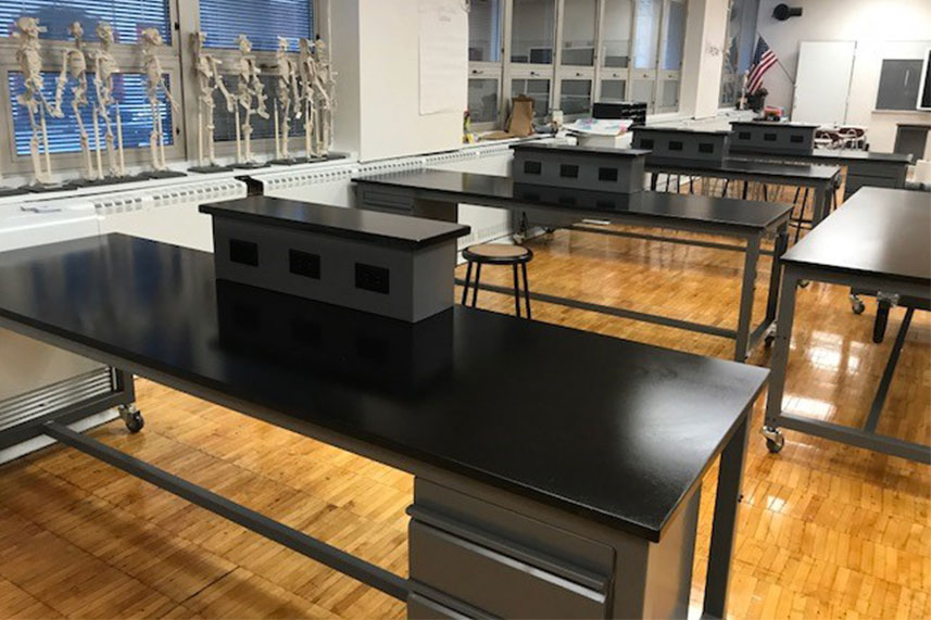 Metal Base Lab Table for an Educational Lab