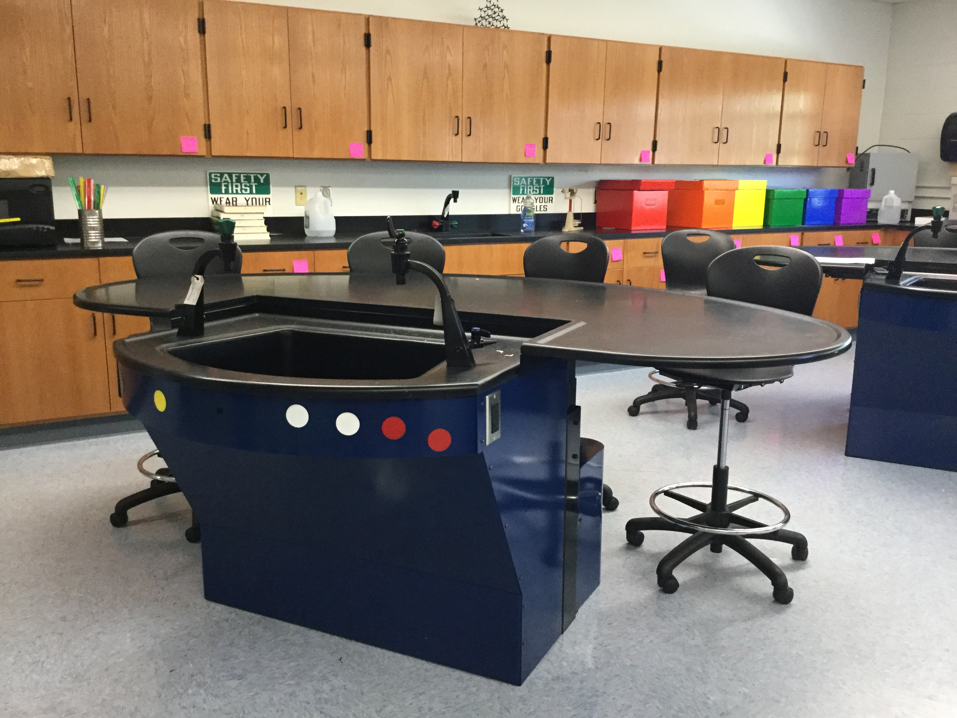 Modern Chemistry Classroom ~ Upgraded furnishings and modern design finishes for st