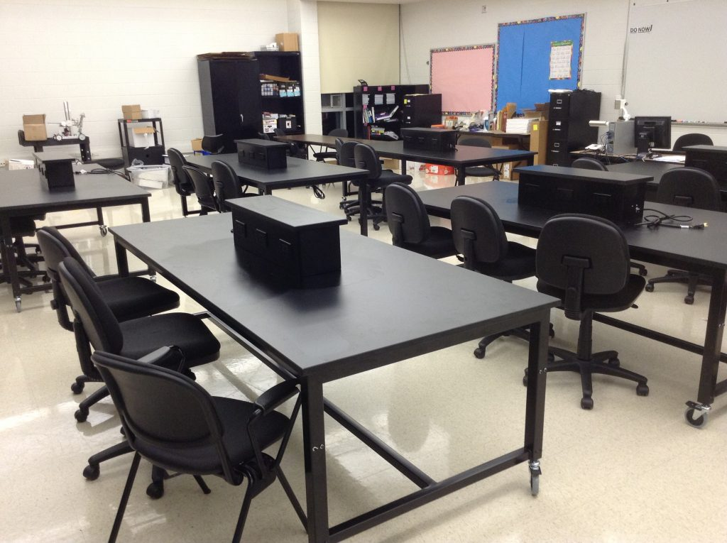 Mobile-Height-Adjustable-Lab-Tables (2)