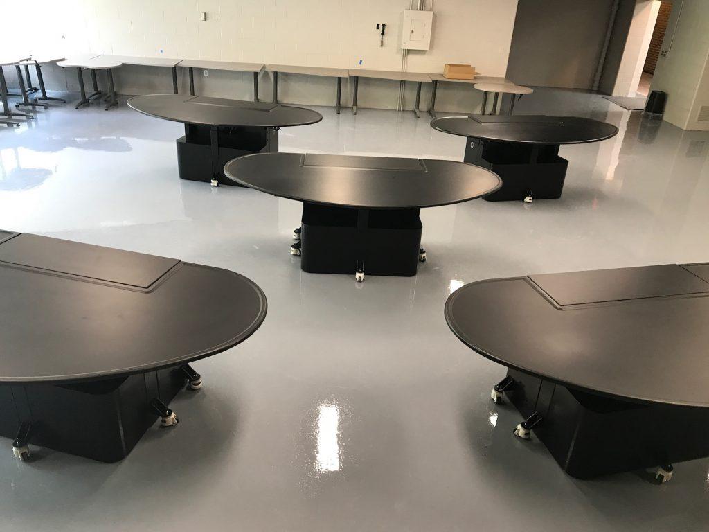 Sheldon Mobile Axis Infinity Lab Table
