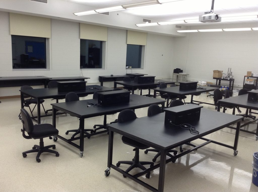 Mobile Height Adjustable Lab Tables